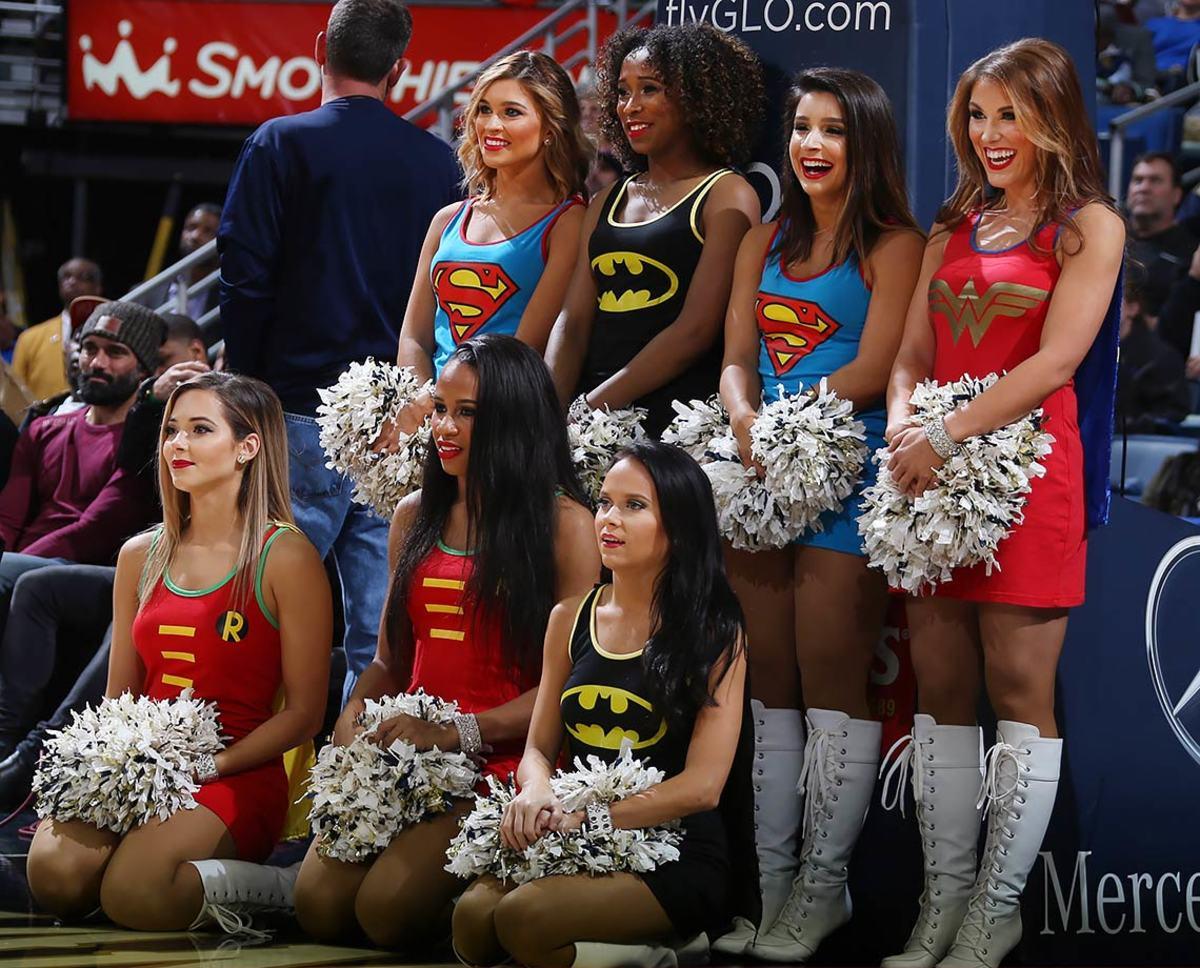 New-Orleans-Pelicans-Dancers-504065504.jpg