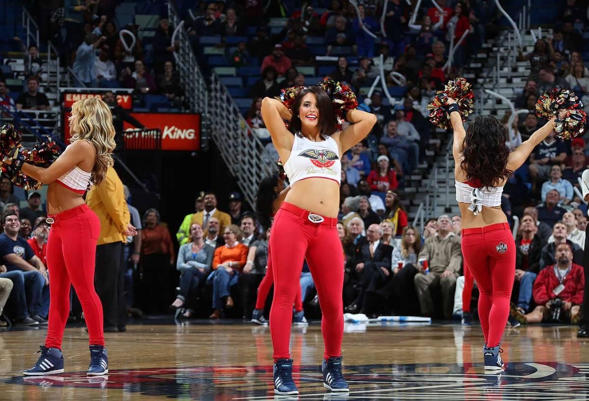 New-Orleans-Pelicans-Dancers-506153882.jpg