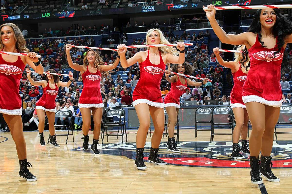 New-Orleans-Pelicans-Dancers-502381500.jpg