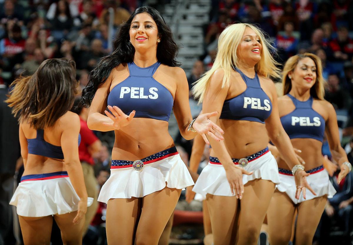 New-Orleans-Pelicans-Dancers-506772690.jpg