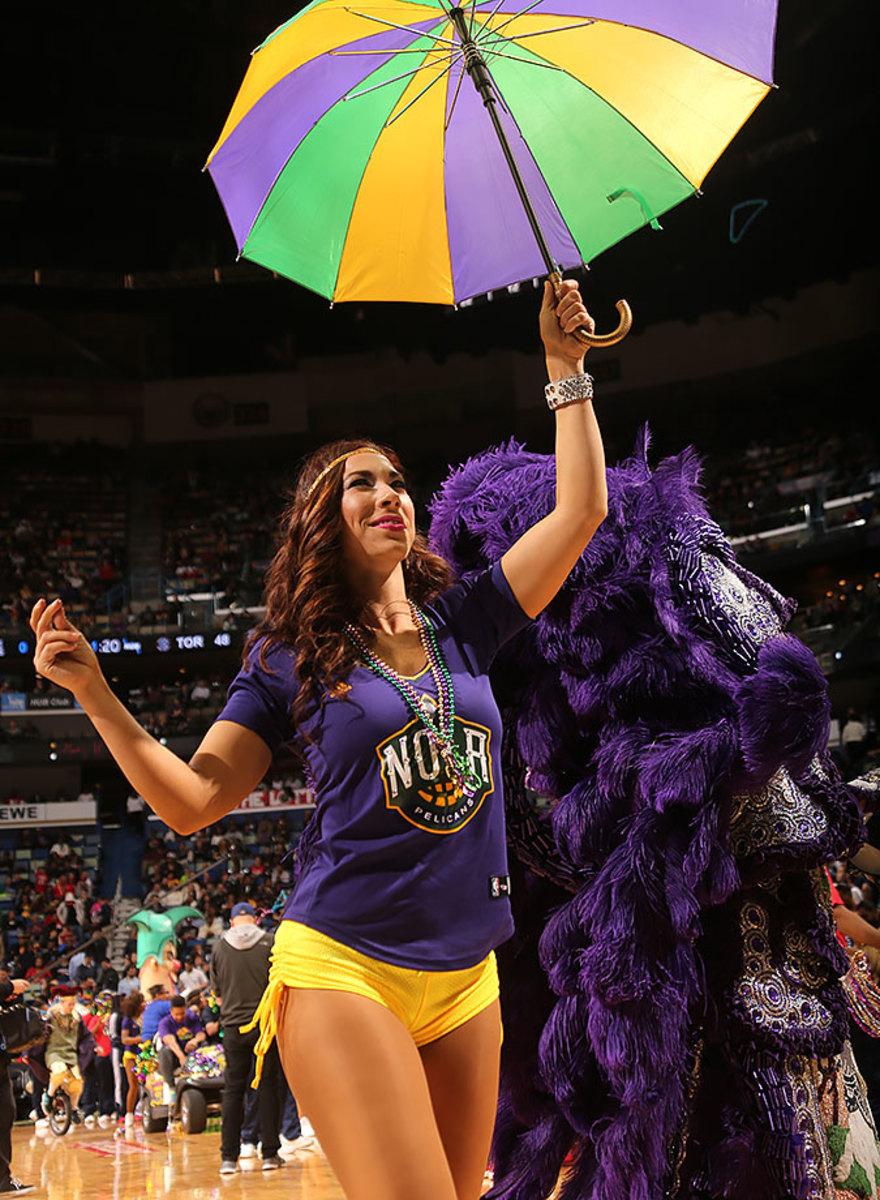New-Orleans-Pelicans-Dancers-508471570.jpg