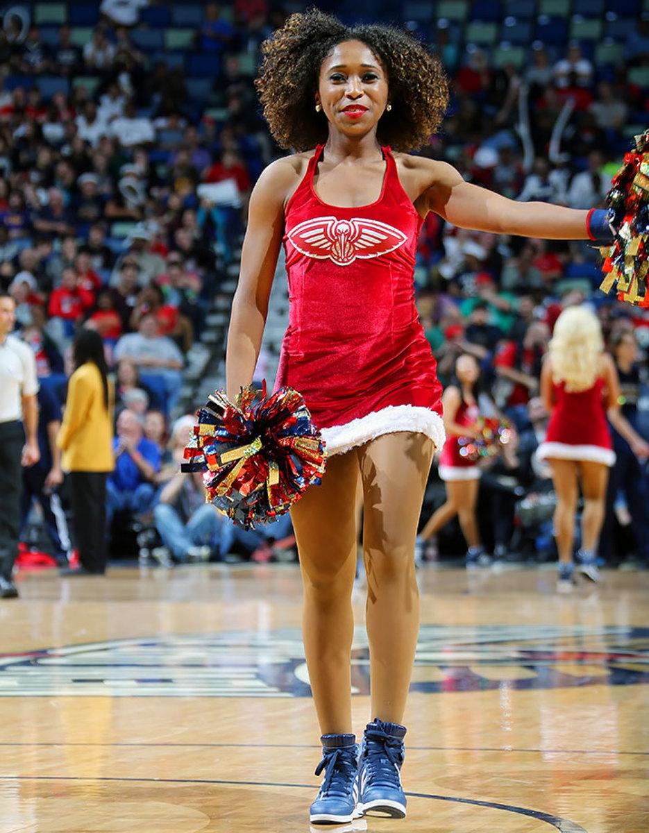 New-Orleans-Pelicans-Dancers-502380328.jpg