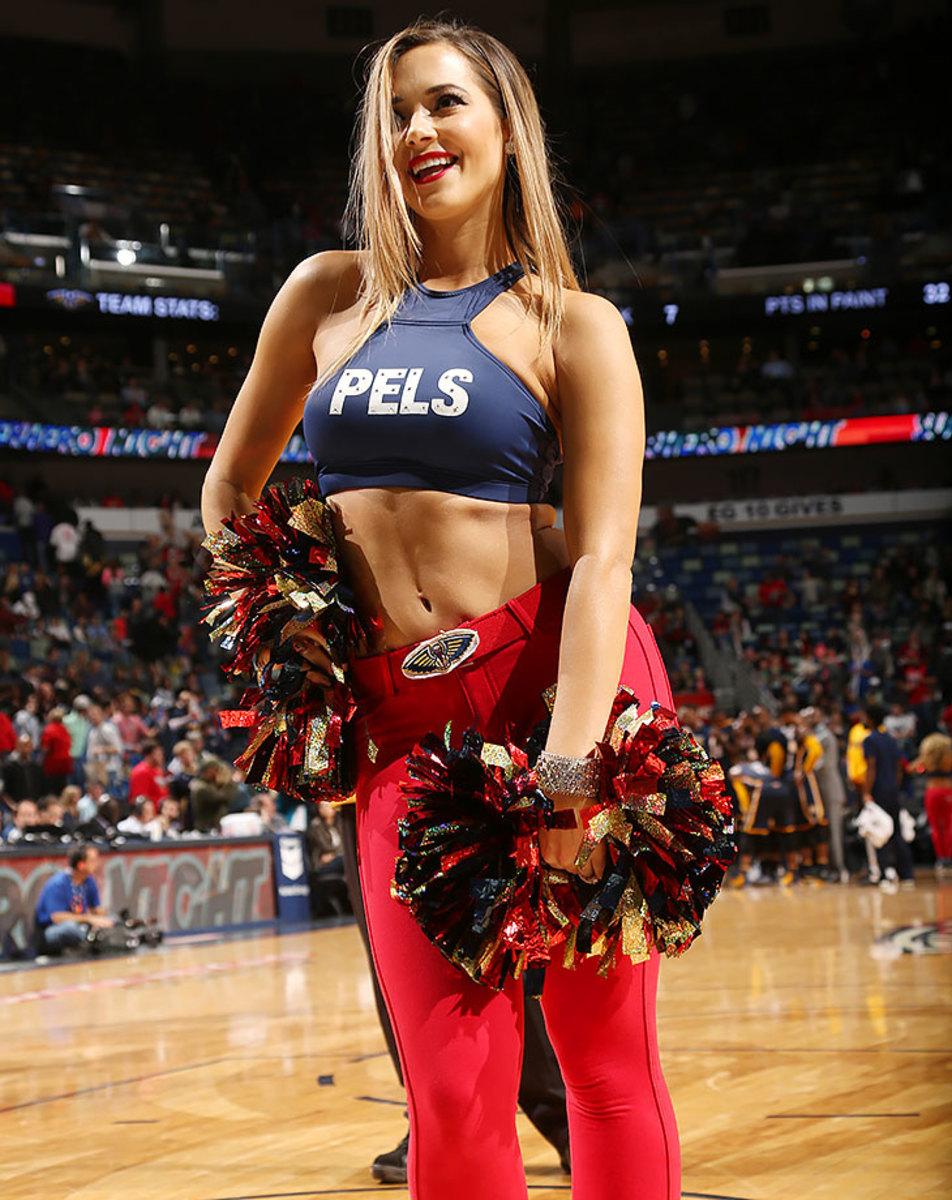 New-Orleans-Pelicans-Dancers-504081946.jpg