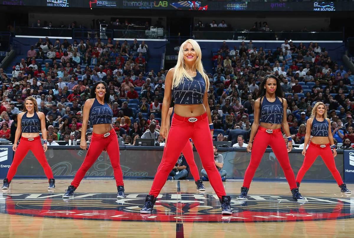 New-Orleans-Pelicans-Dancers-501019890.jpg