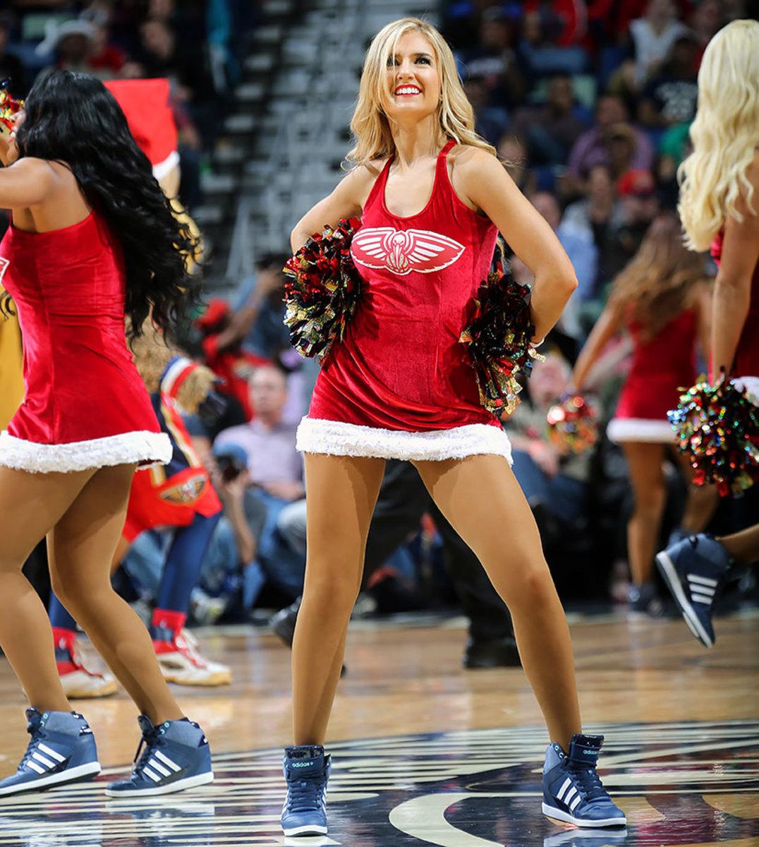 New-Orleans-Pelicans-Dancers-502380314.jpg