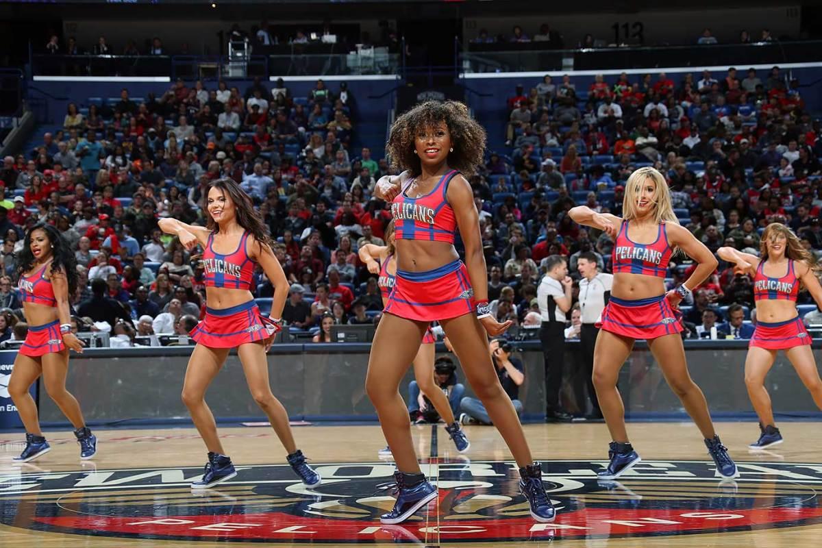 New-Orleans-Pelicans-Dancers-498351034.jpg