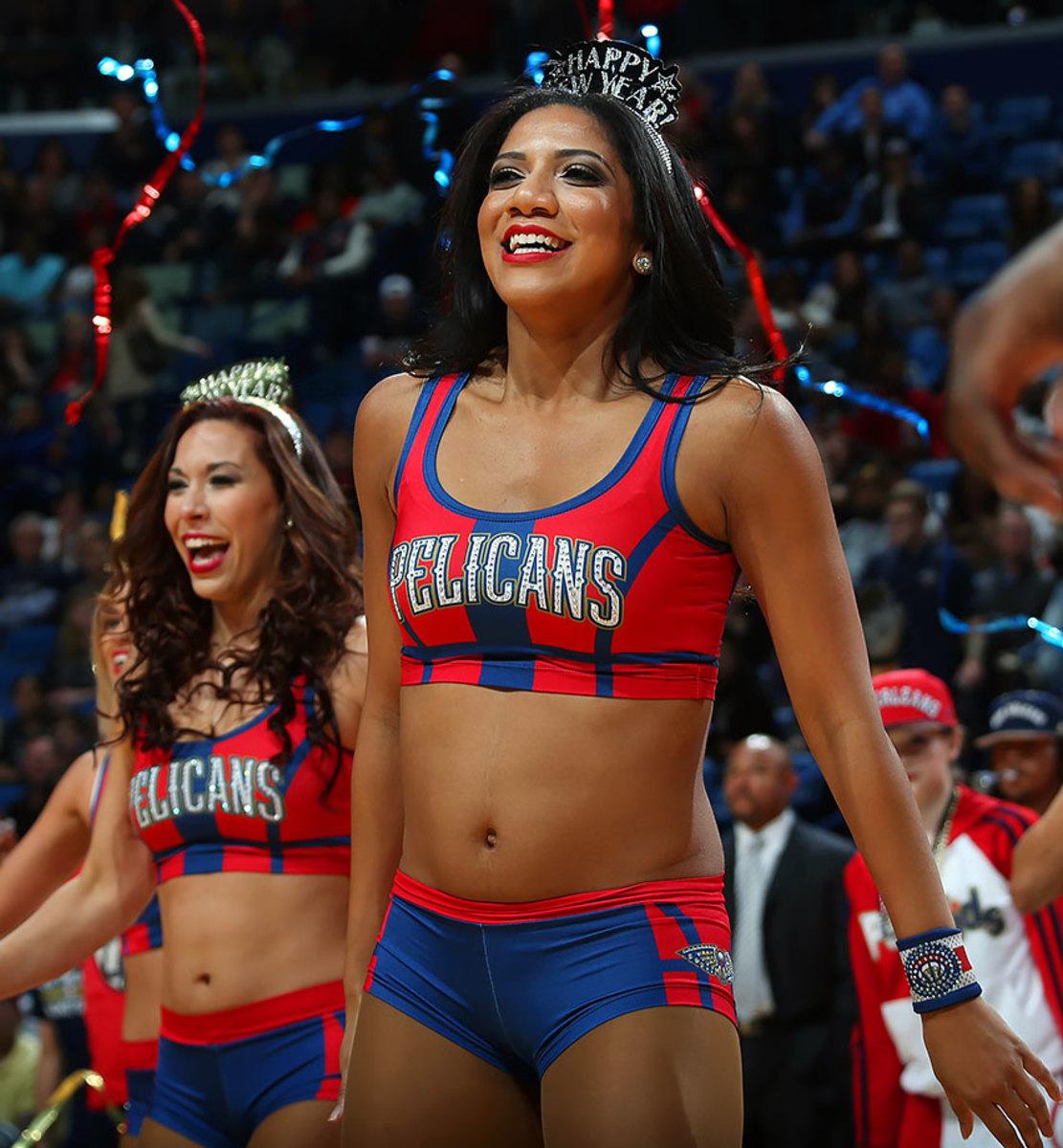 New-Orleans-Pelicans-Dancers-503039930.jpg