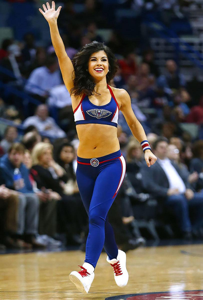 New-Orleans-Pelicans-Dancers-baf03e791b9b4773b441eb161573688a-0.jpg