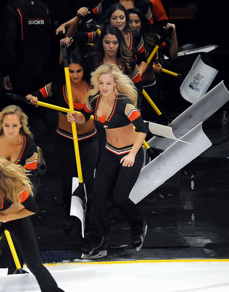 Anaheim-Ducks-Power-Players-Ice-Girls-506160117024_Kings_at_Ducks.jpg