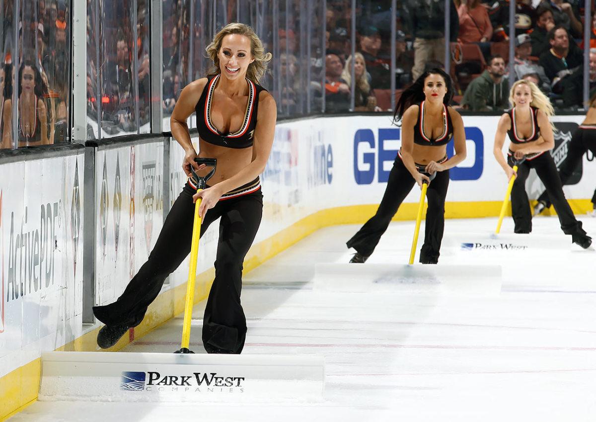 Anaheim-Ducks-Power-Players-Ice-Girls-GettyImages-508103840_master.jpg
