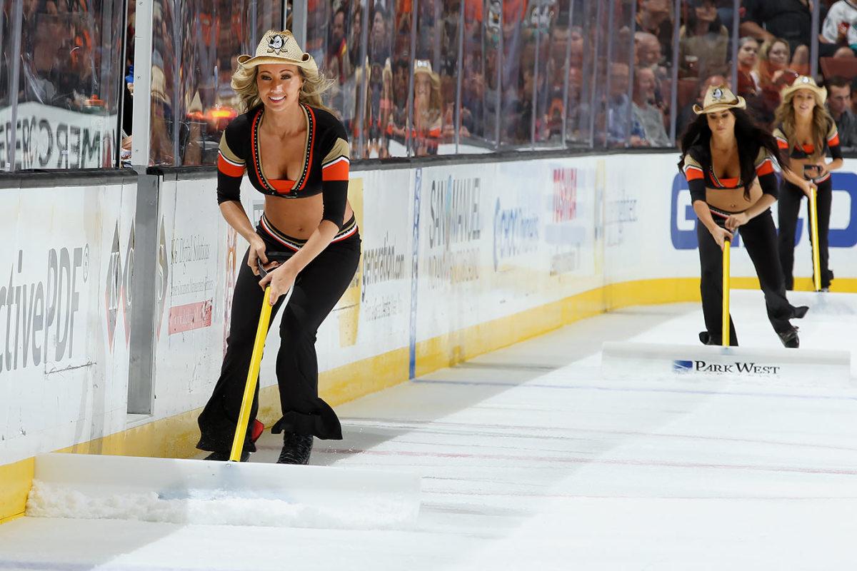 Anaheim-Ducks-Power-Players-Ice-Girls-GettyImages-496449020_master.jpg