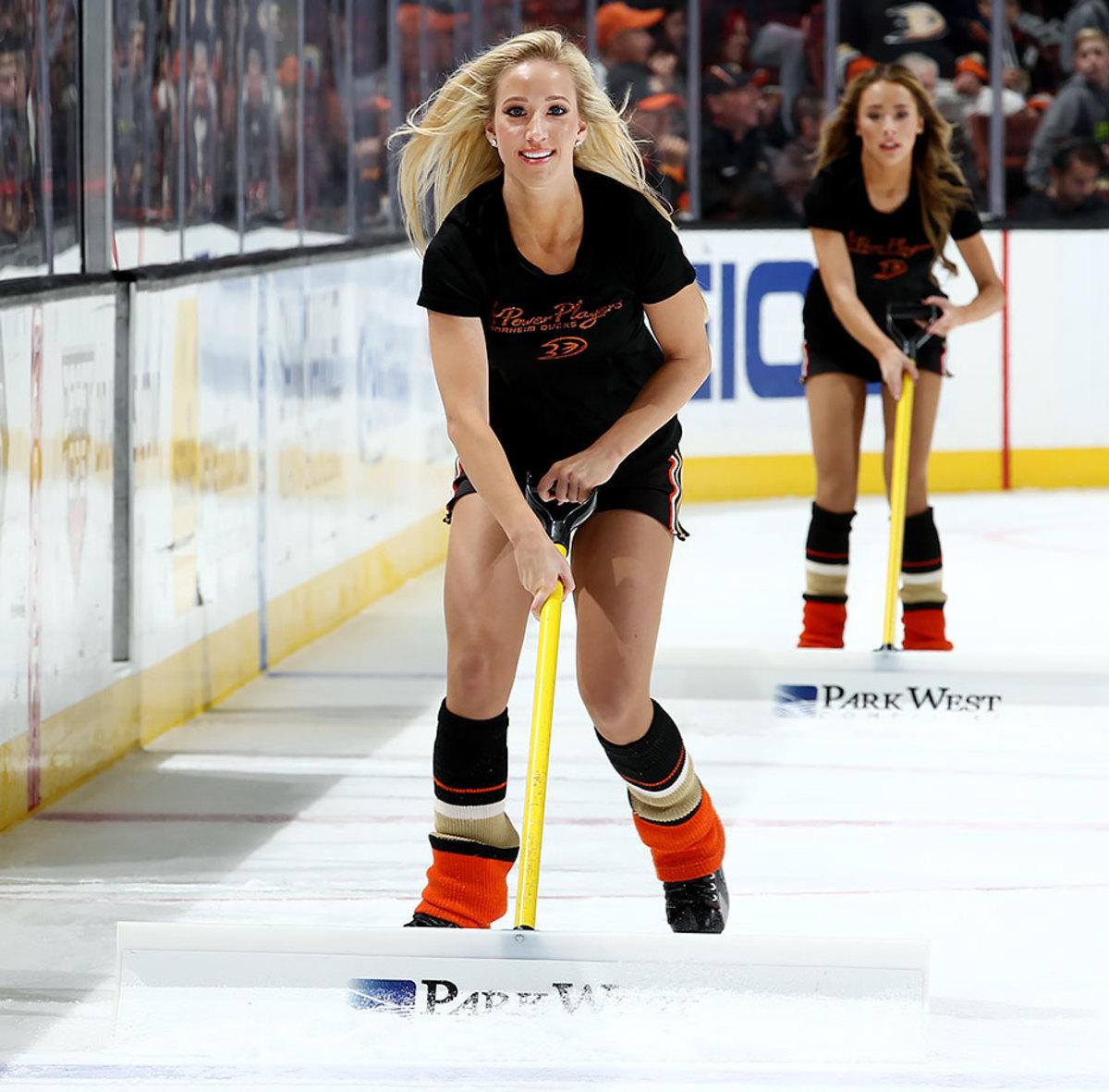 Anaheim-Ducks-Power-Players-Ice-Girls-GettyImages-502694876_master.jpg