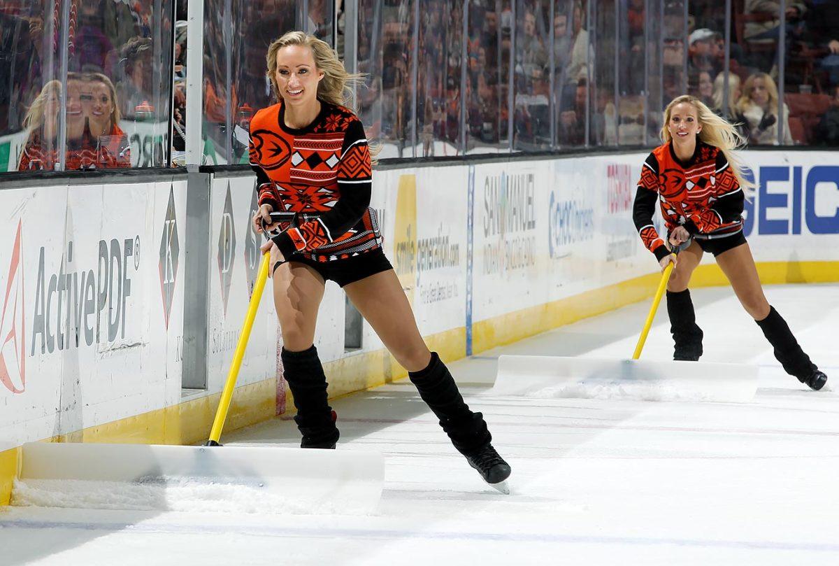 Anaheim-Ducks-Power-Players-Ice-Girls-GettyImages-501024254_master.jpg