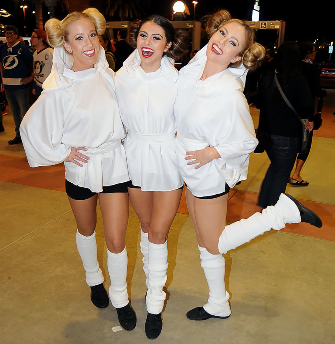 Anaheim-Ducks-Power-Players-Ice-Girls-506151130010_Lightning_at_Ducks.jpg