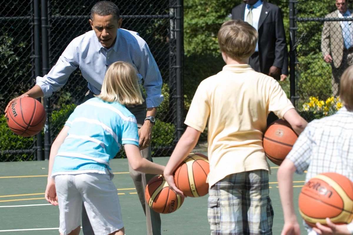 barack-obama-dribbling.jpg