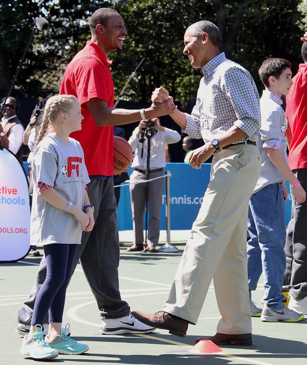 2015-0406-Barack-Obama-Paul-Pierce.jpg