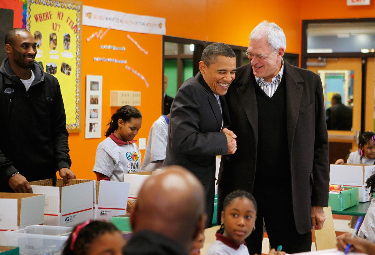 2010-1213-Barack-Obama-Phil-Jackson-Kobe-Bryant.jpg