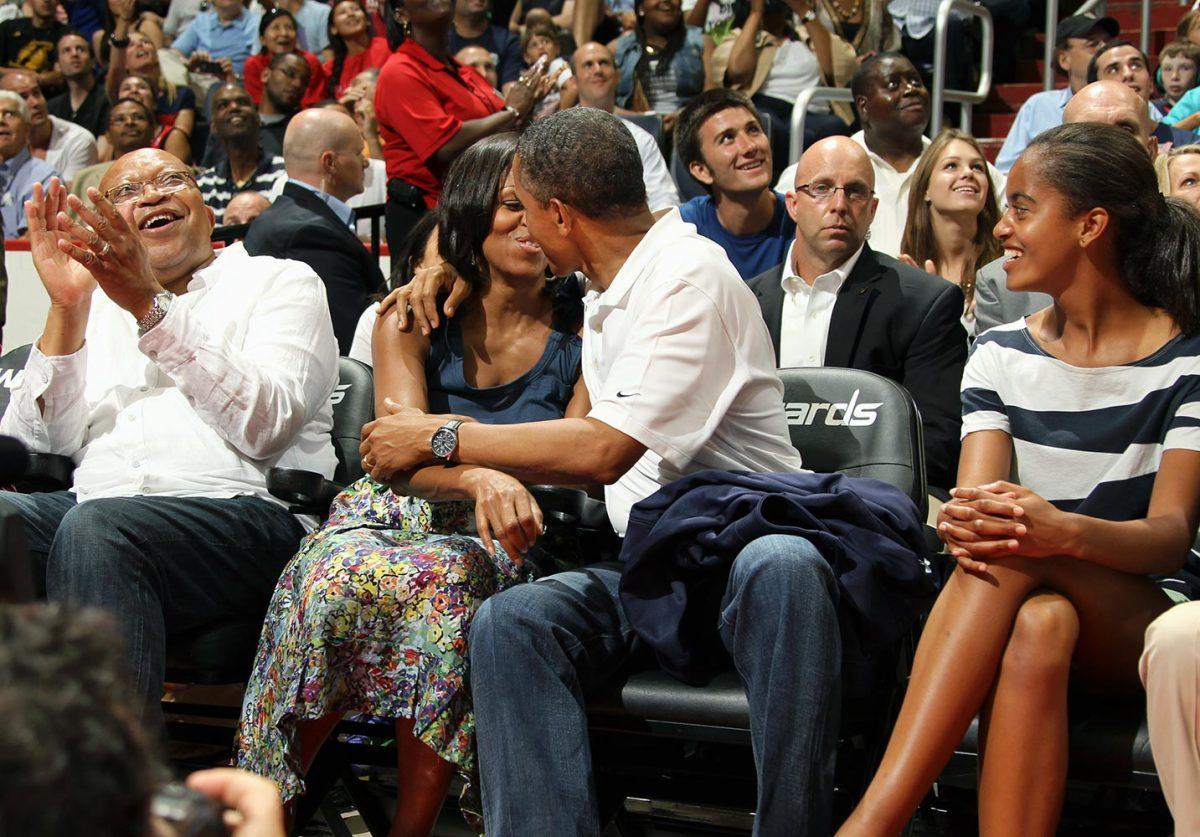2012-0716-Barack-Obama-Michelle-Kiss-Cam.jpg