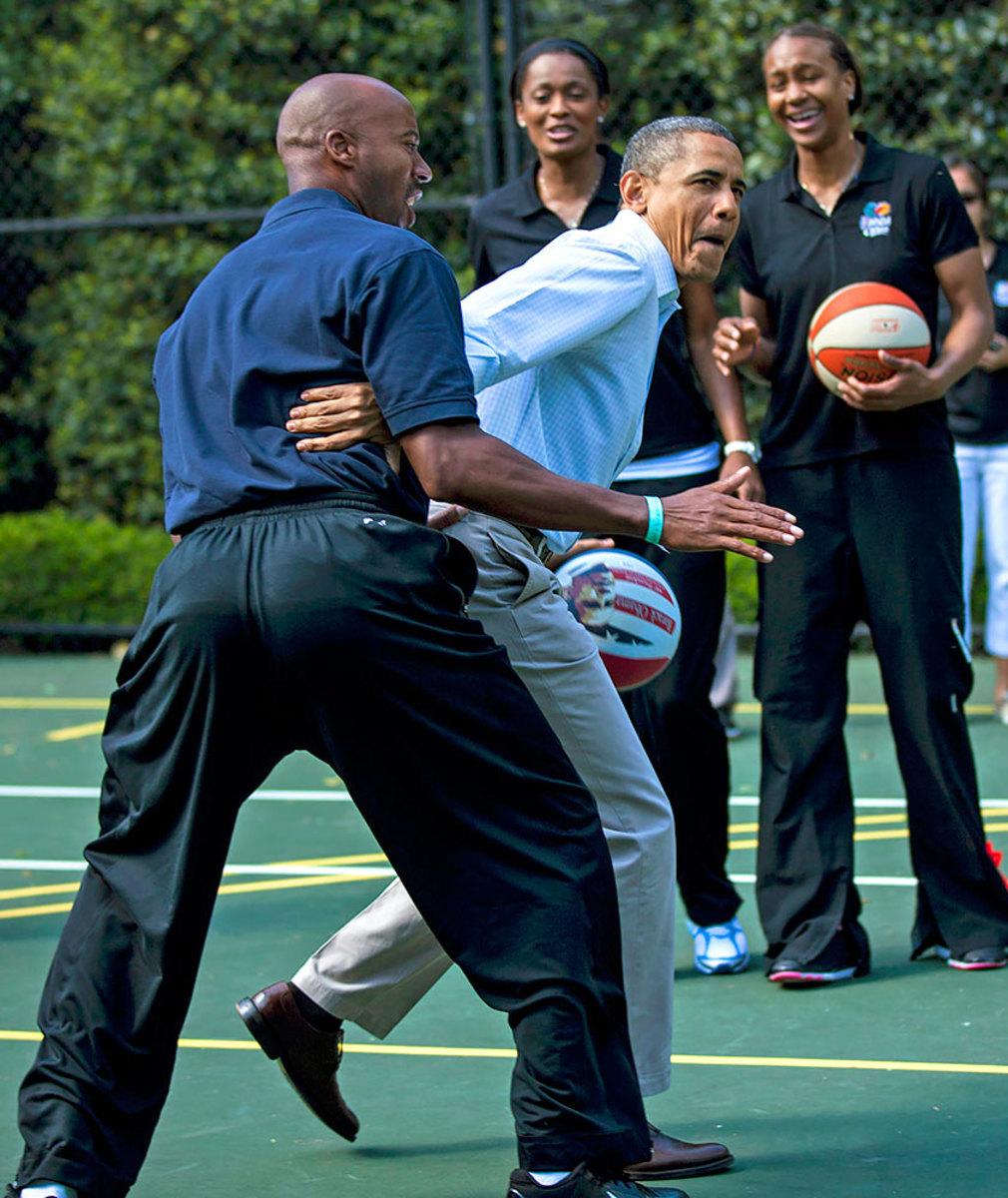 2012-0409-Barack-Obama-Bruce-Bowen.jpg