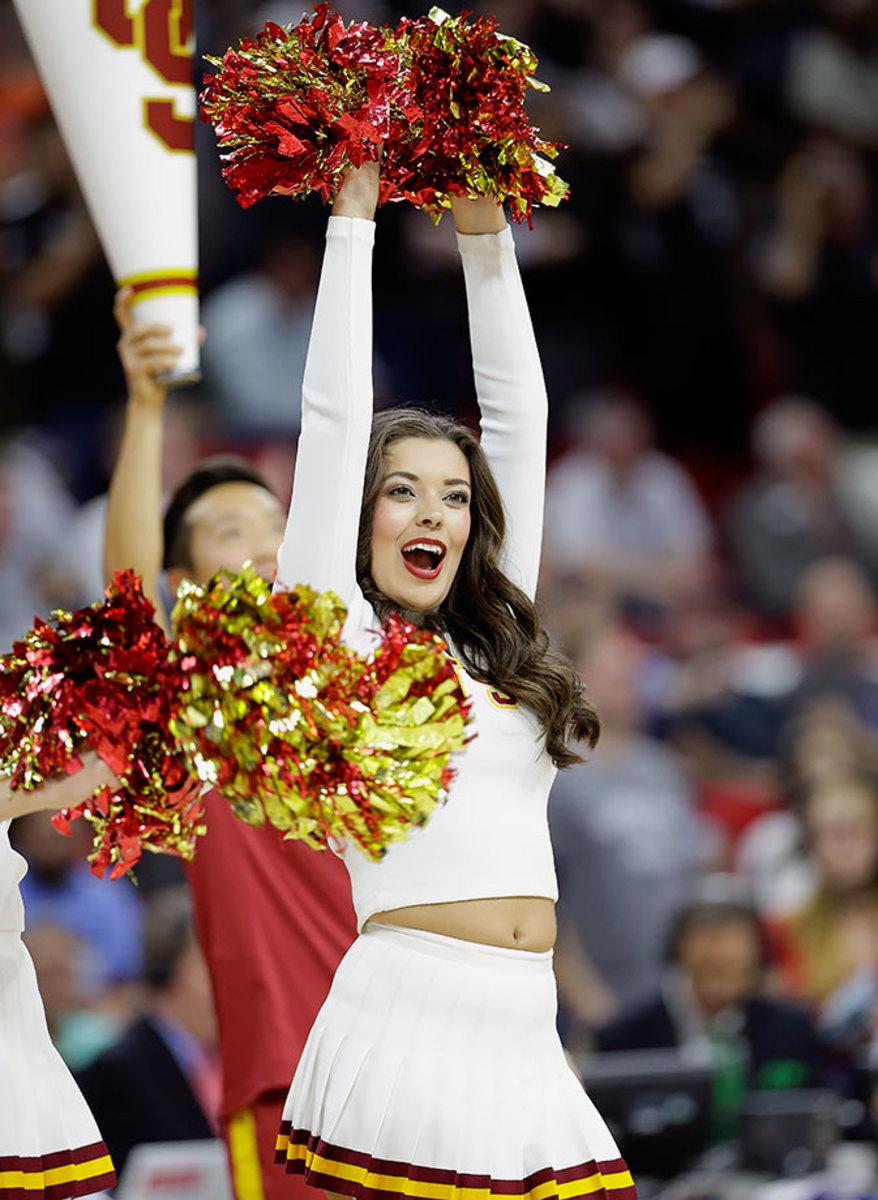 USC-cheerleaders-85b85dbc9acb47a380fafd4f915712b2-0.jpg