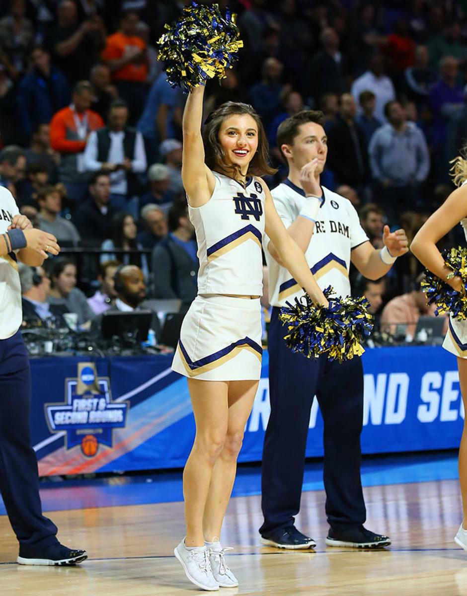 Notre-Dame-cheerleaders-CGV1603200989_Notre_Dame_v_Stephen_F_A.jpg