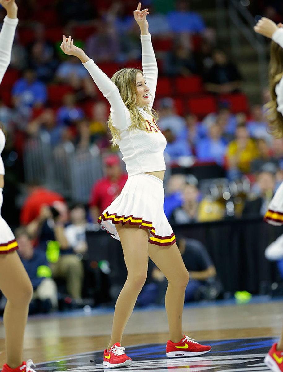 USC-cheerleaders-574d822b34d04327821be6201f0cfe00-0.jpg