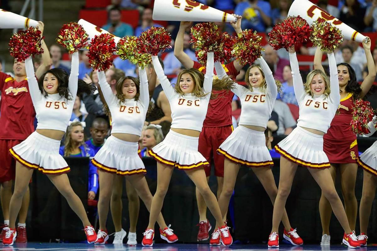 USC-cheerleaders-686a1325f2884f008d567bf77b8f06d3-0.jpg