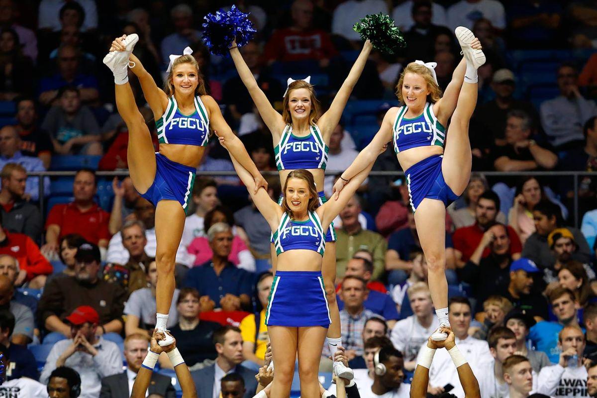 Florida-Gulf-Coast-cheerleaders-515770572.jpg