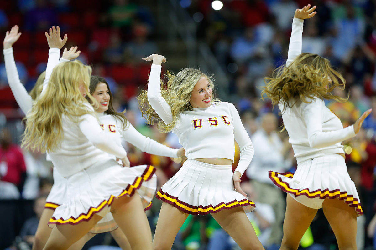 USC-cheerleaders-9d0d45d143864387ad7eb68cc35e1ff0-0.jpg
