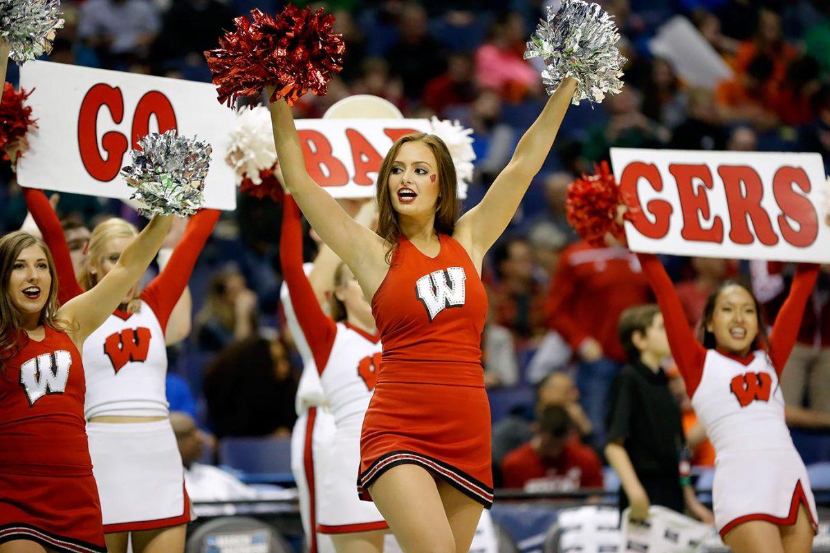 Wisconsin-cheerleaders-75bdba604d8347af820f2b90ad0d394b-0.jpg