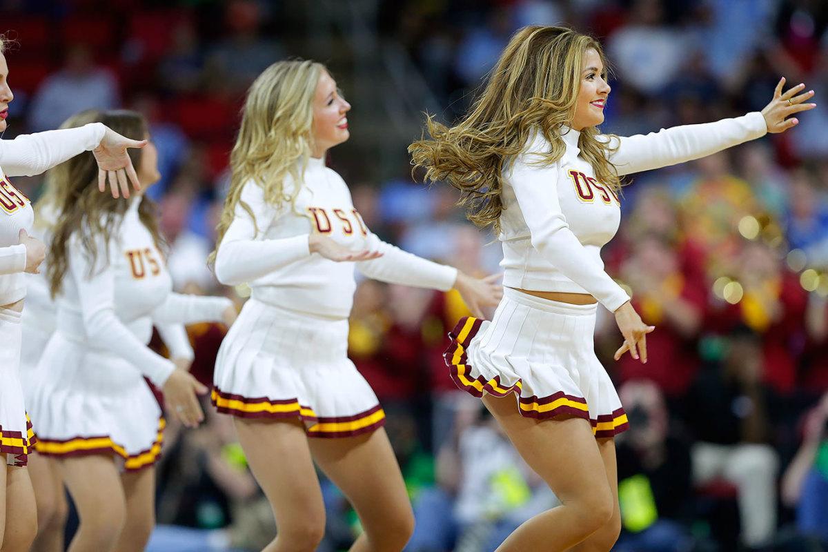 USC-cheerleaders-f3aec153935b4b8dadb6e97e9f184ef8-0.jpg