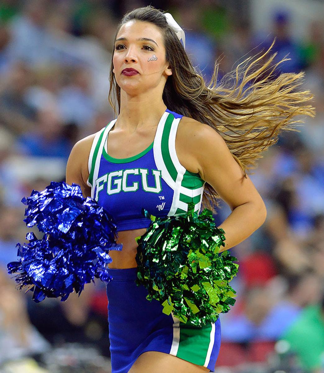 Florida-Gulf-Coast-cheerleader-516247688.jpg