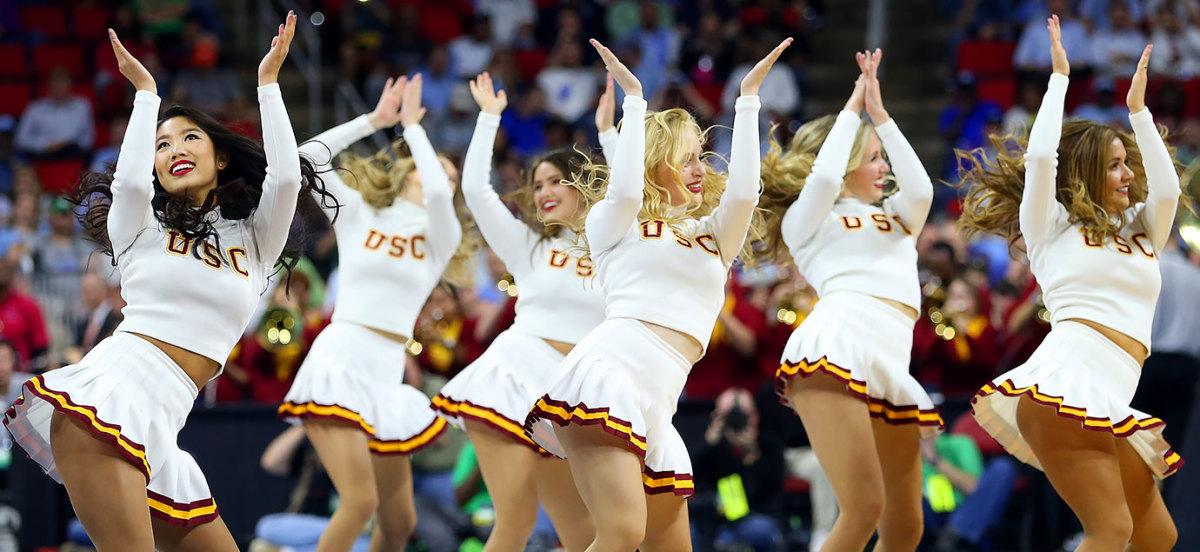 USC-cheerleaders-516268182.jpg