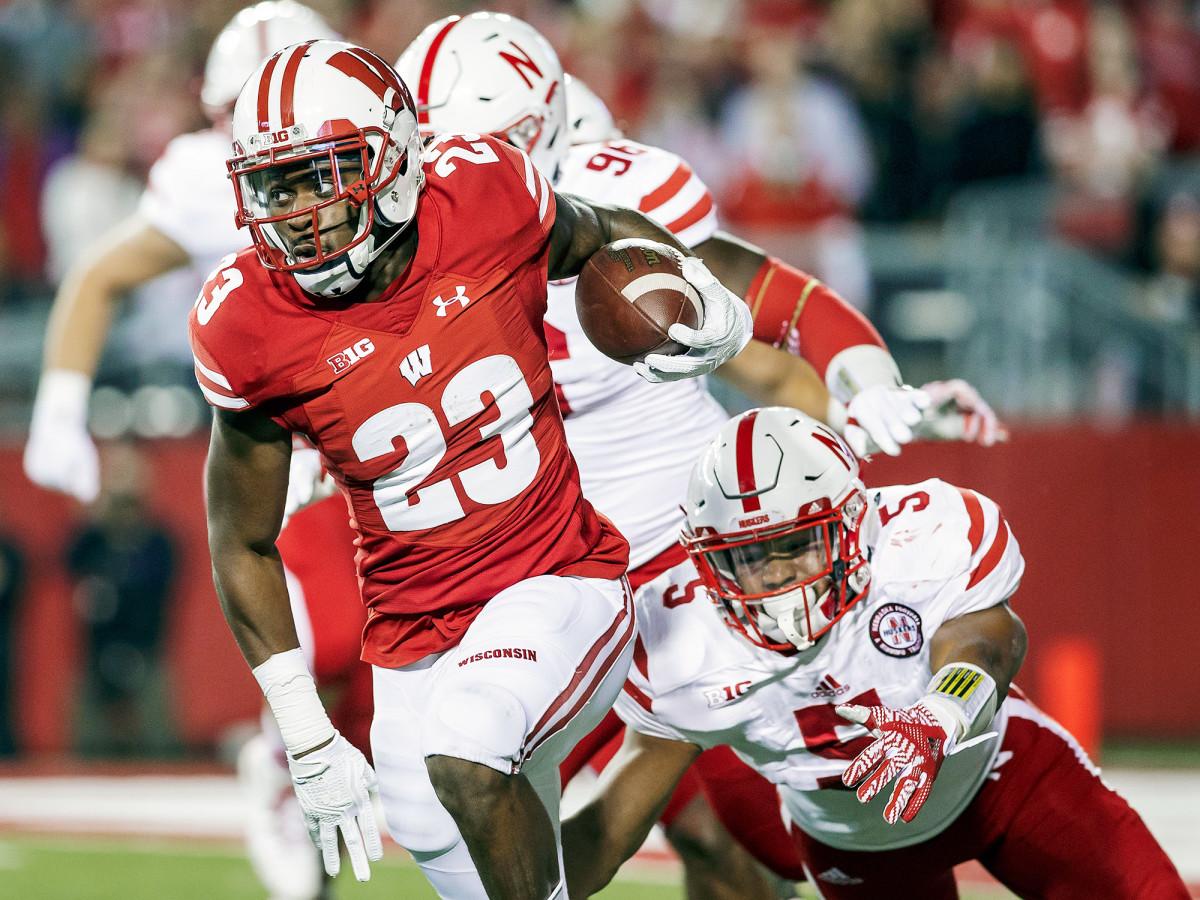 dare-ogunbowale-wisconsin-badgers-nebraska-cornhuskers-college-football-week-9.jpg