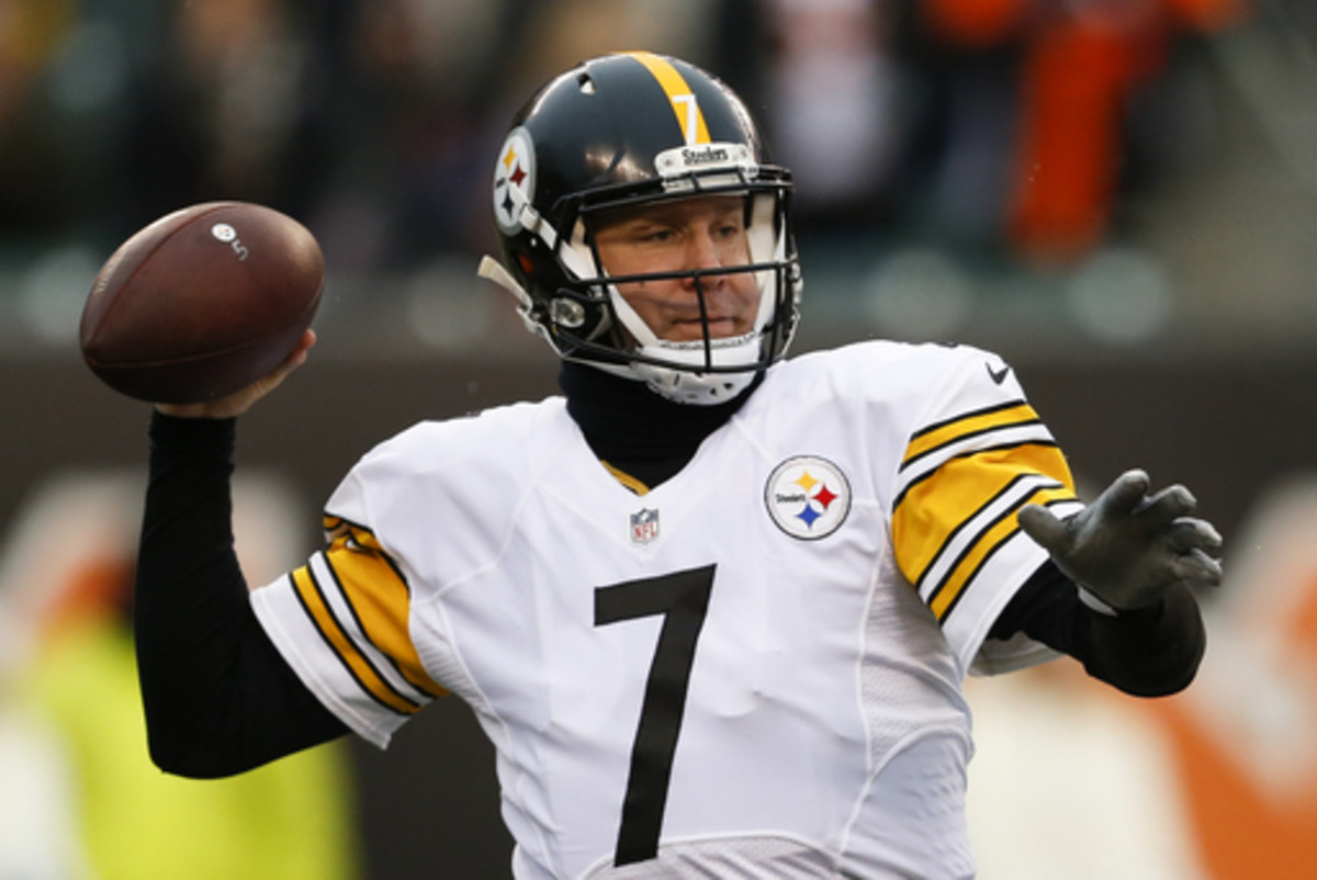 FILE - In this Dec. 18, 2016 file photo, Pittsburgh Steelers quarterback Ben Roethlisberger throws in the first half of an NFL football game against the Cincinnati Bengals, in Cincinnati. The Steelers will host the Baltimore Ravens on Sunday, Dec. 25. (AP