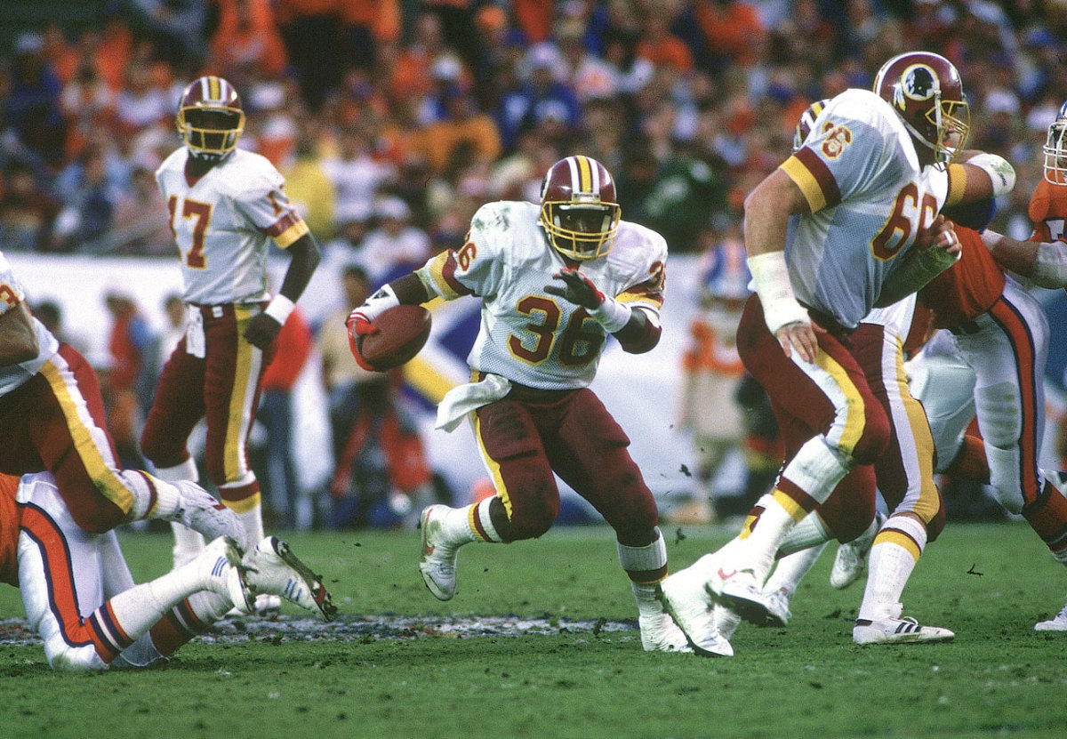 Pressed into service, Smith ran for a record 204 yards in SB XXII.