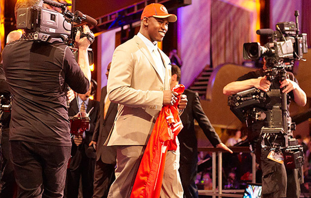 Smith (first round, seventh pick) was cut by the 49ers last August after his third DUI arrest since entering the league.