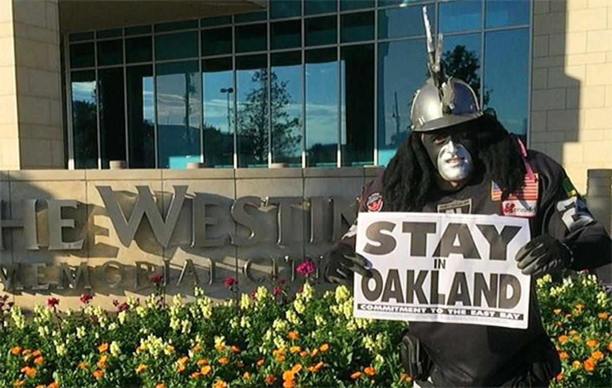 dr-death-oakland-raiders.jpg