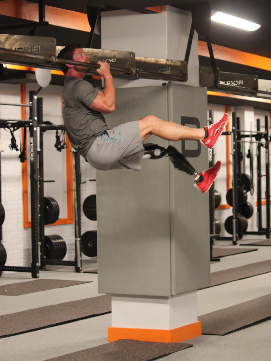 noah-galloway-one-arm-pull-up.jpg