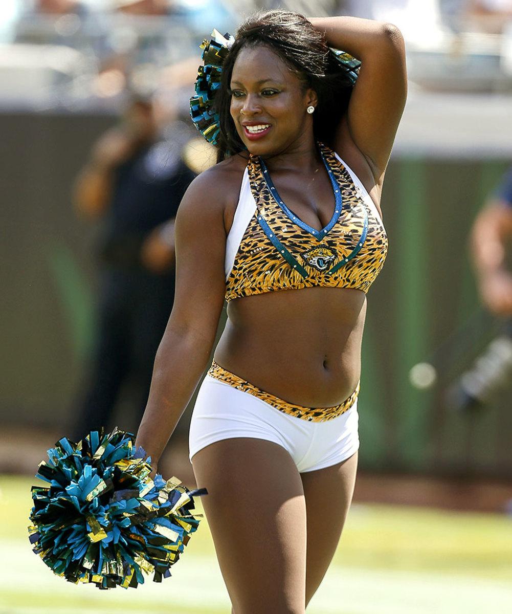 Jacksonville-Jaguars-The-ROAR-cheerleaders-603112516.jpg