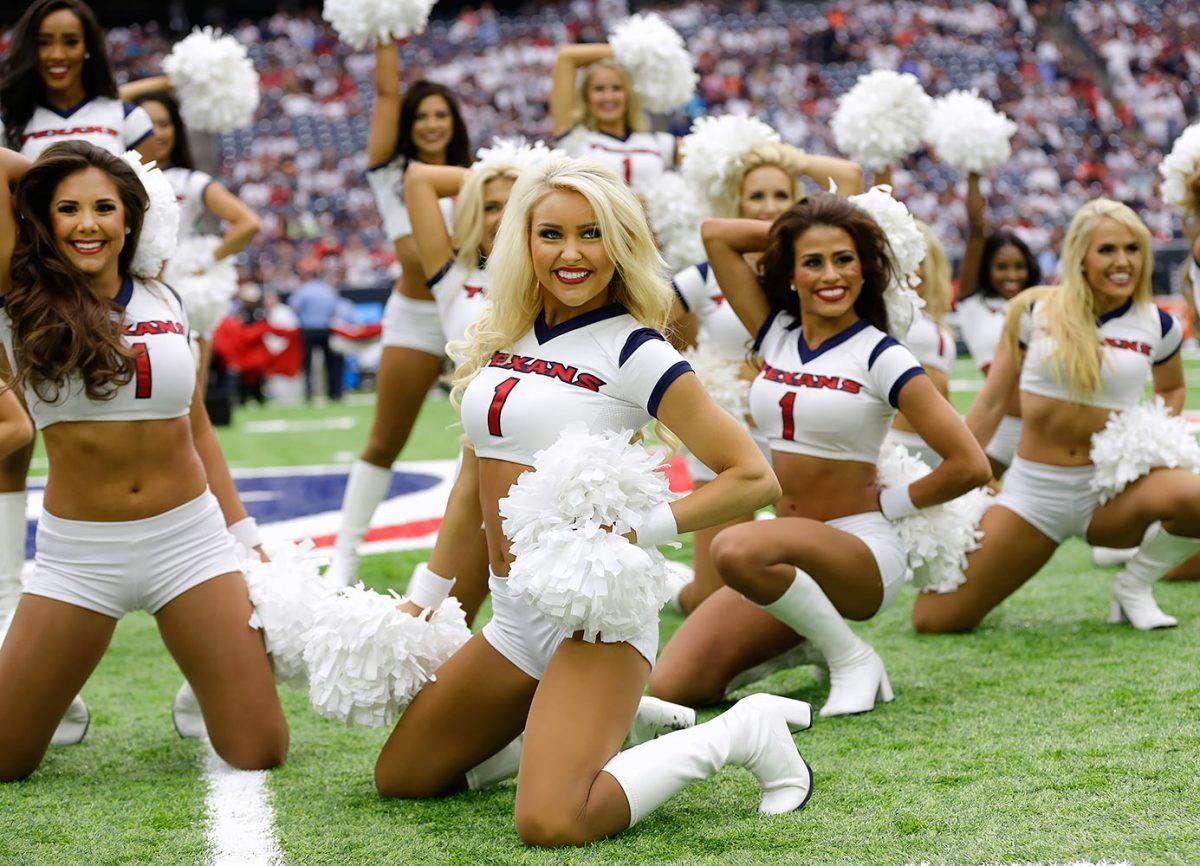 Houston-Texans-cheerleaders-AP_16255630204122.jpg