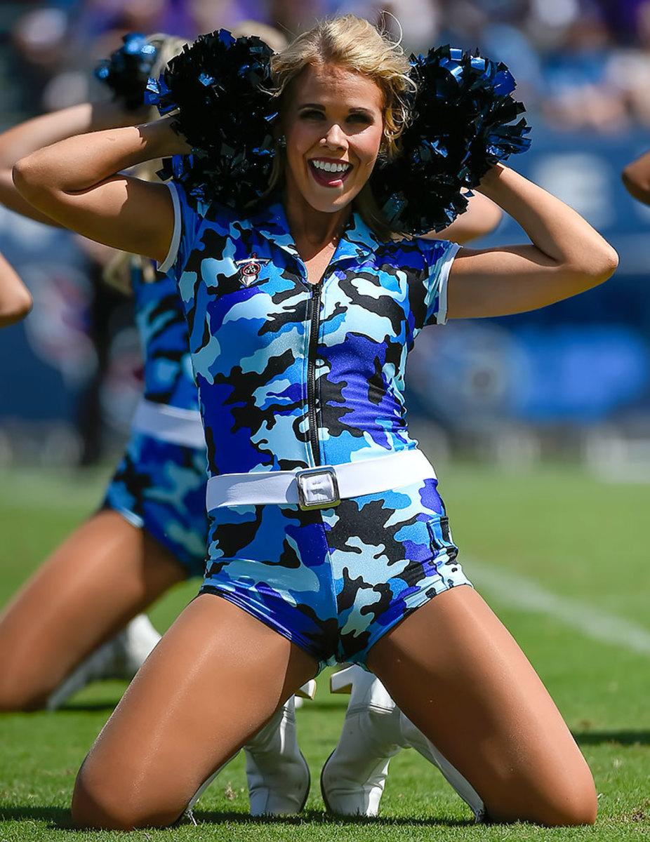 Tennessee-Titans-cheerleaders-164091116_634_vikings_at_titans.jpg