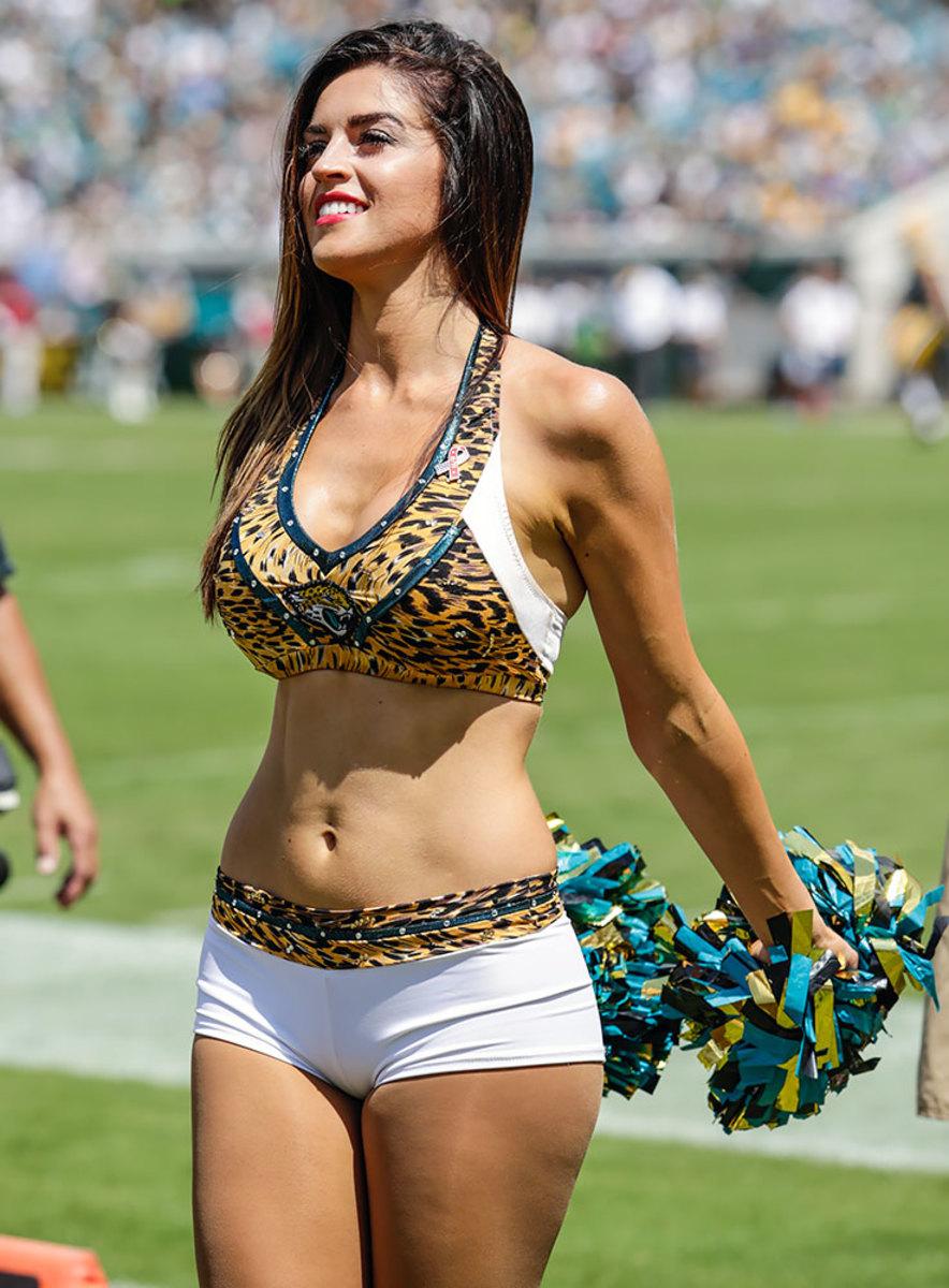 Jacksonville-Jaguars-The-ROAR-cheerleaders-DFH1609113171Jaguars_vs_Packers.jpg