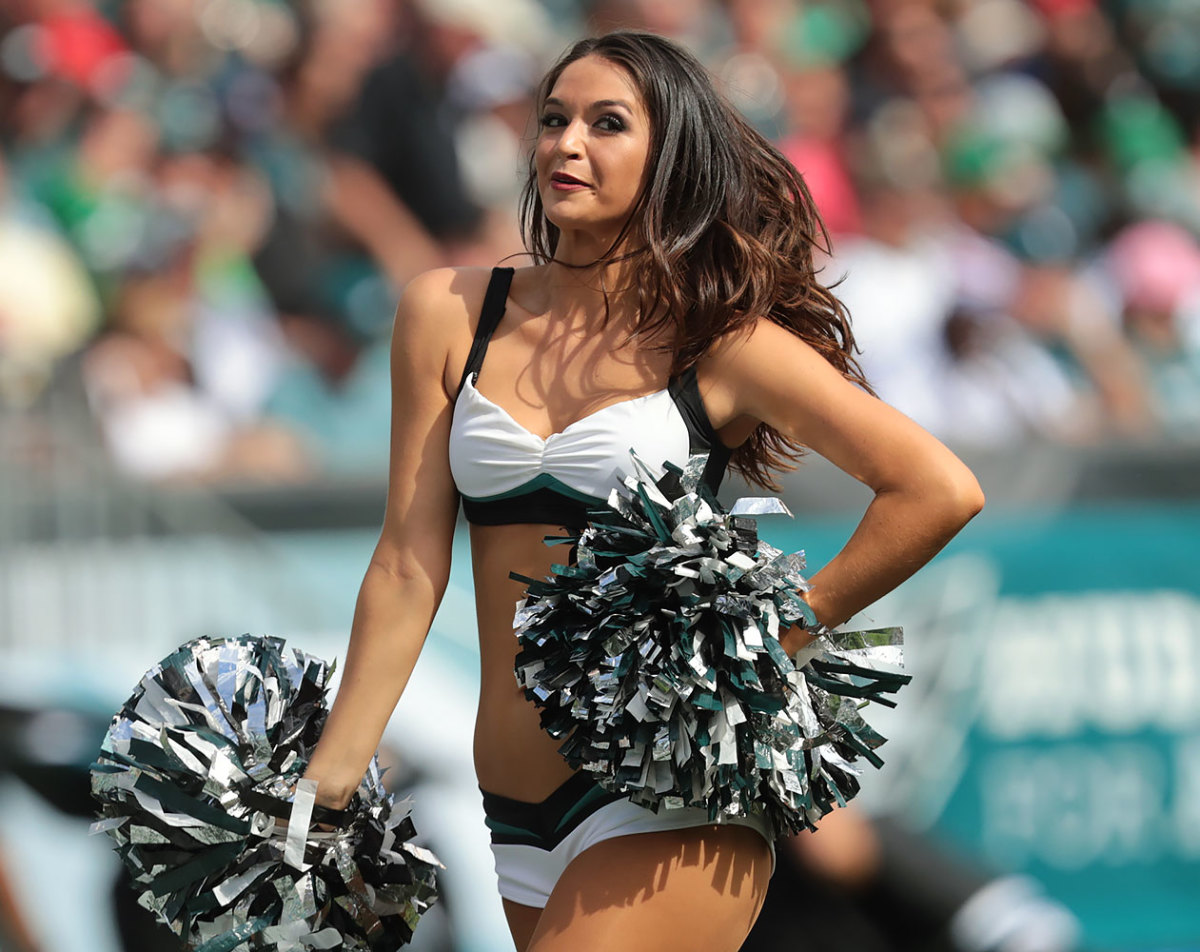 Philadelphia-Eagles-cheerleaders-SI538_TK1_02209.jpg