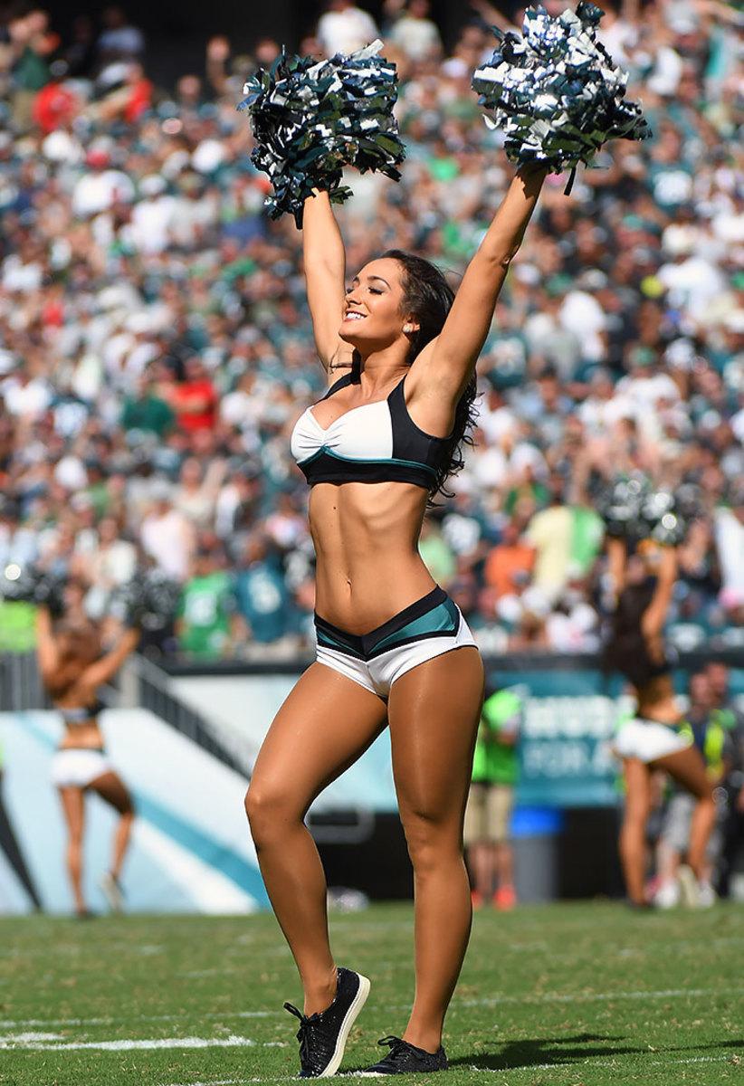 Philadelphia-Eagles-cheerleaders-DHW160911162Browns_at_Eagles.jpg