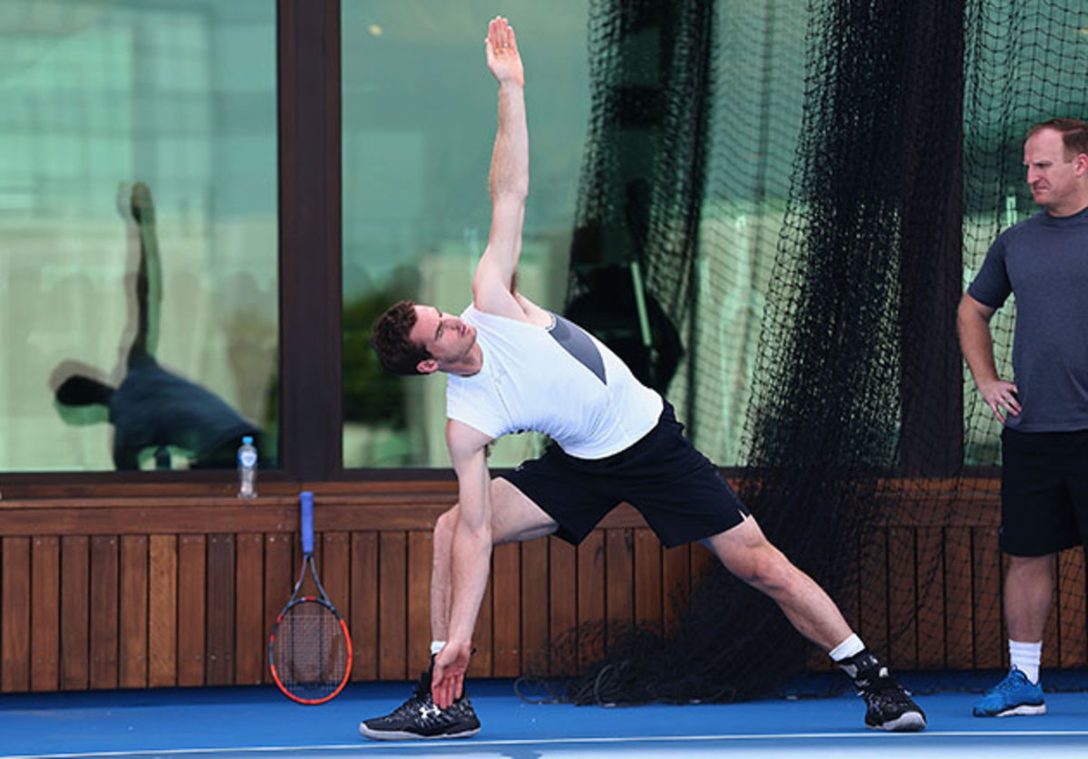 andy-murray-training-stretching-inline.jpg