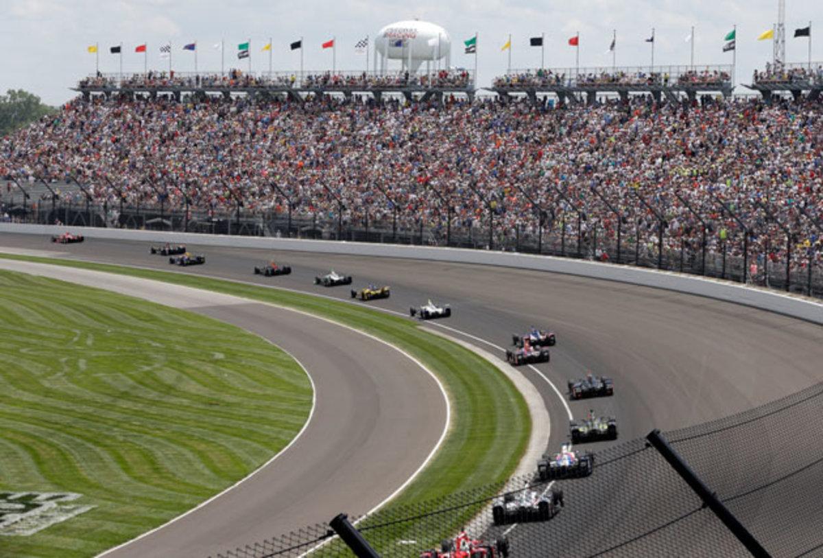 Indy-500-turn-R-Brent-Smith-AP.jpg
