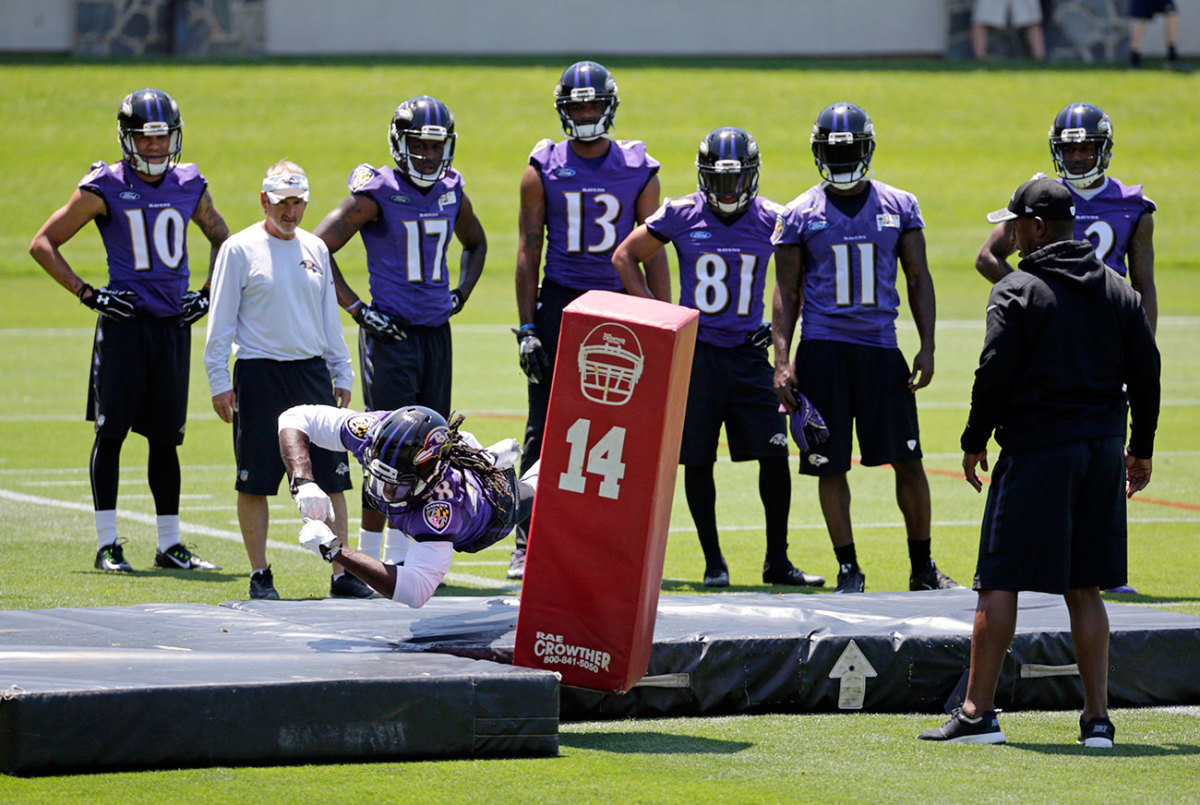 At June 2016 workouts, Perriman was going full speed—but a tweak to his left knee would again cause concern.