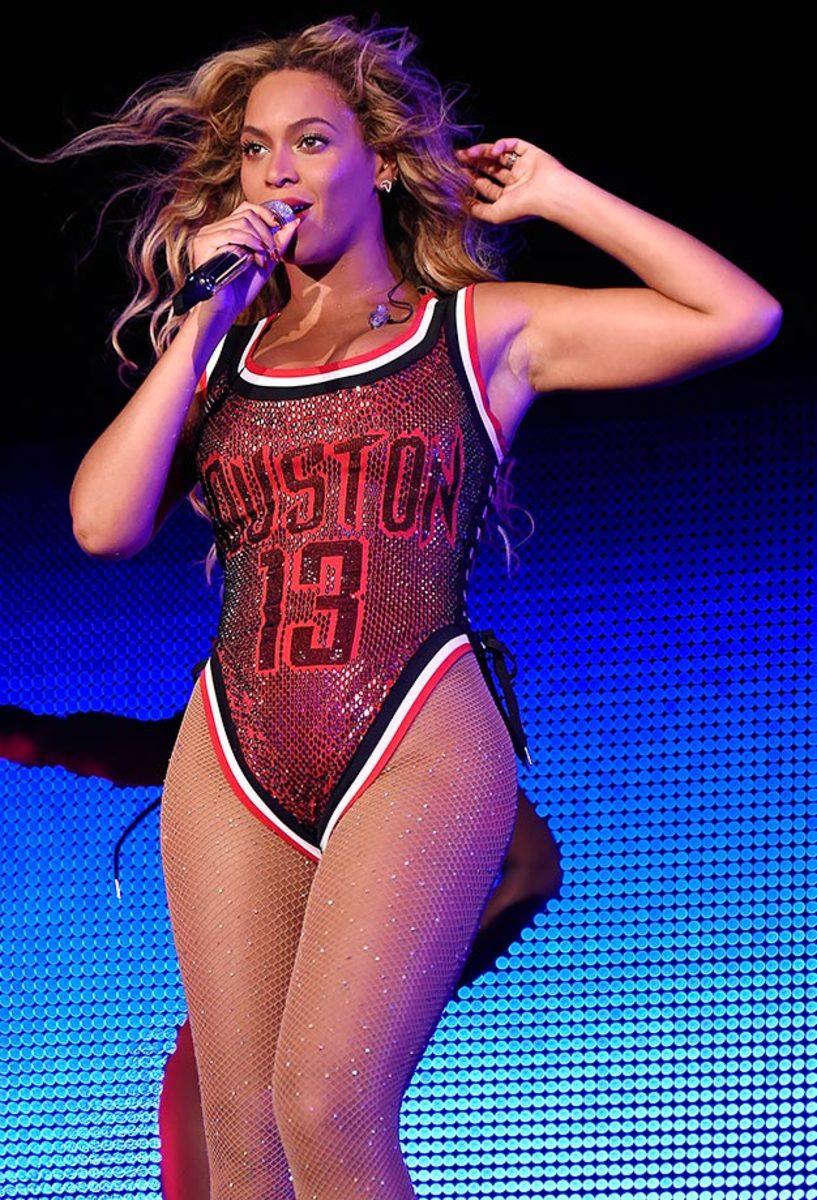 2015-Beyonce-James-Harden-jersey.jpg