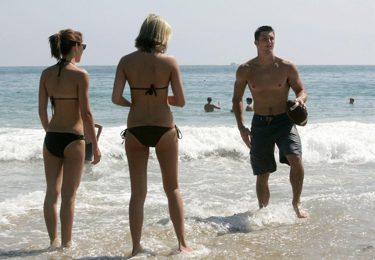 2005-Tim-Tebow-beach_0.jpg